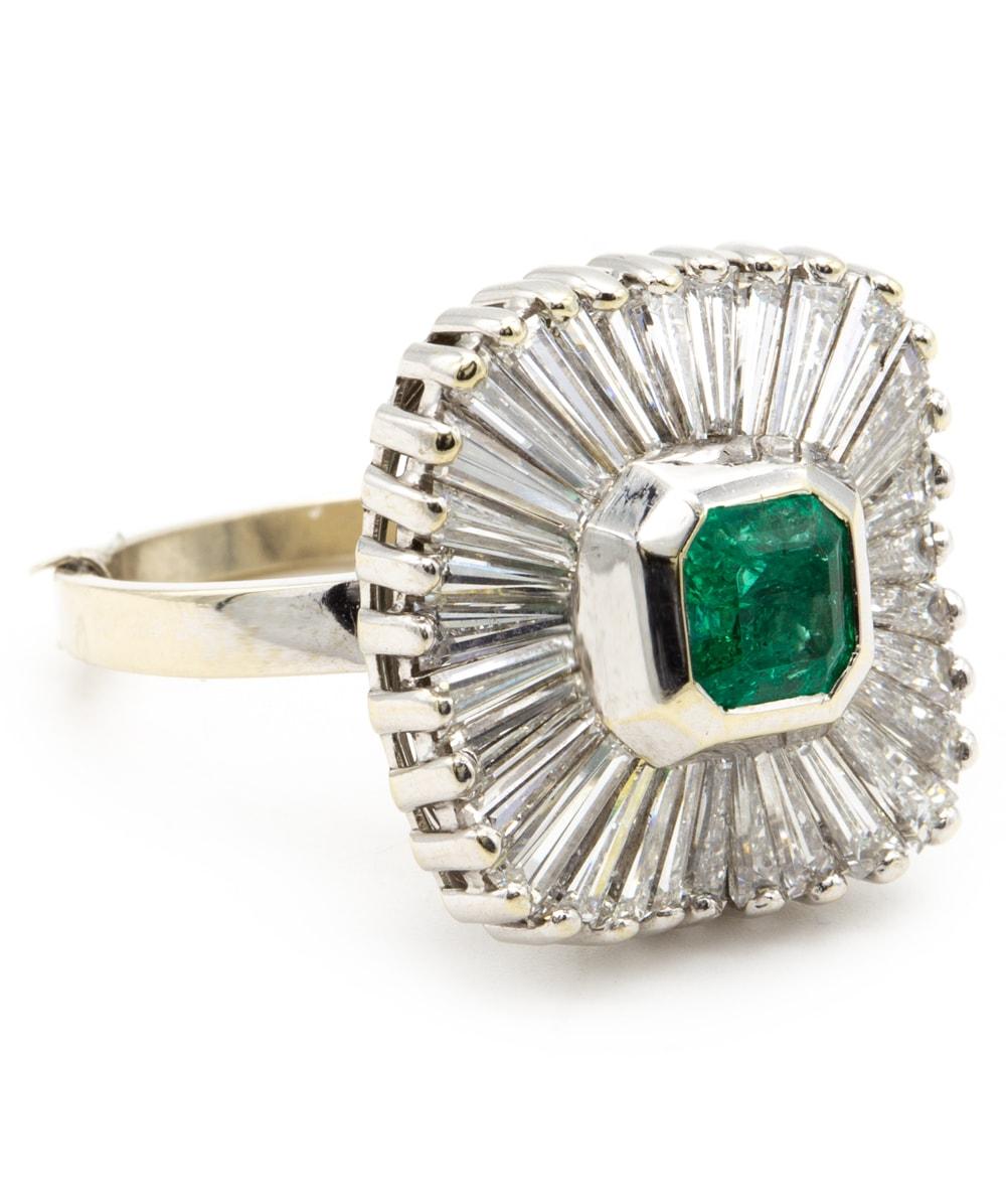Ring mit Diamanten und Smaragd 585er Weißgold