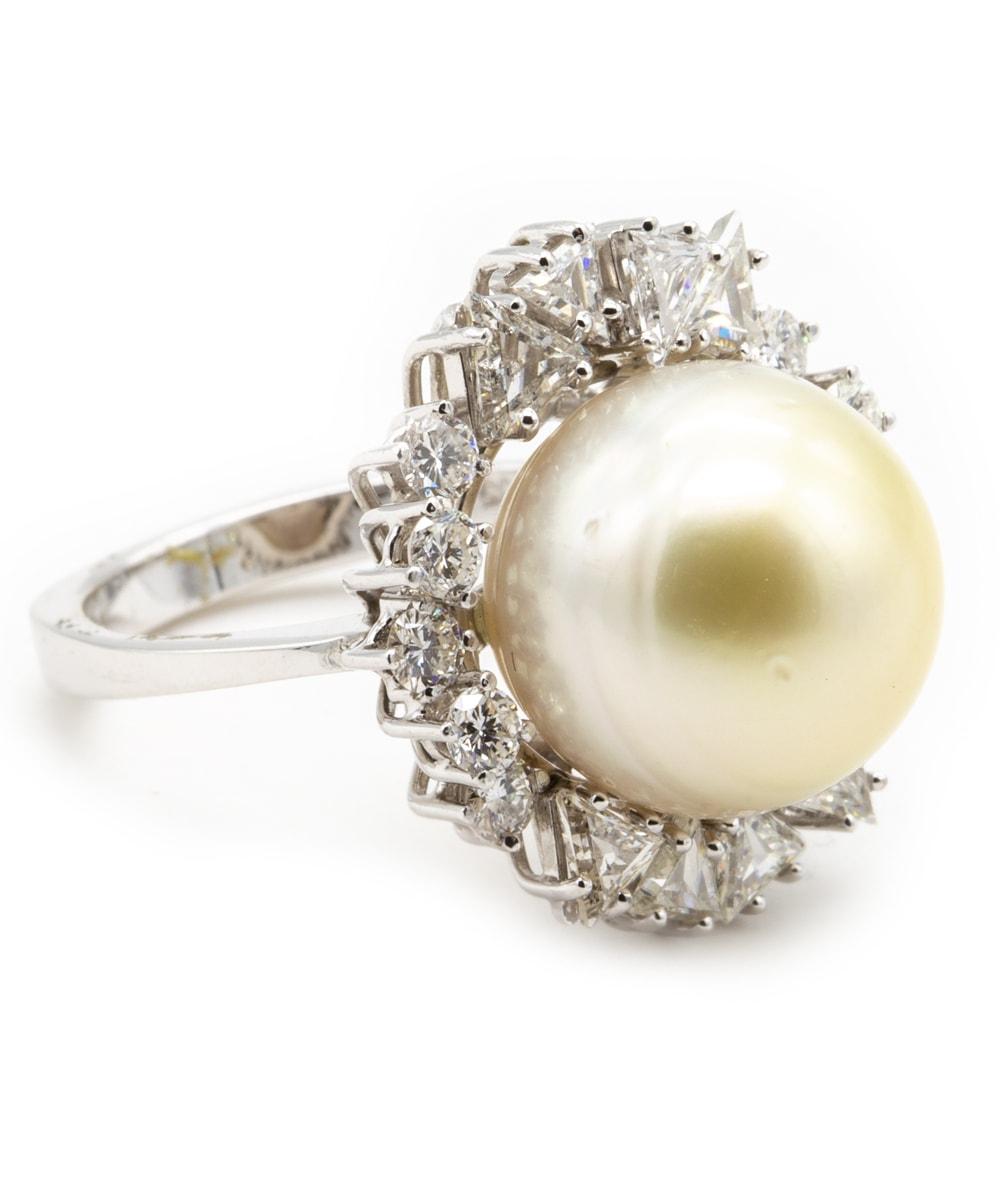 Ring mit Diamanten, Brillanten und Perle 750er Weißgold