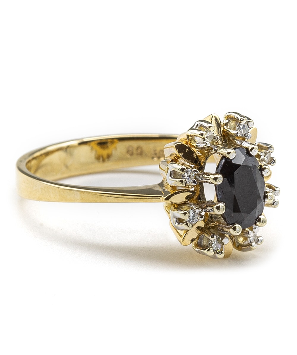 Ring mit einem Saphir und Diamanten 585er Gold