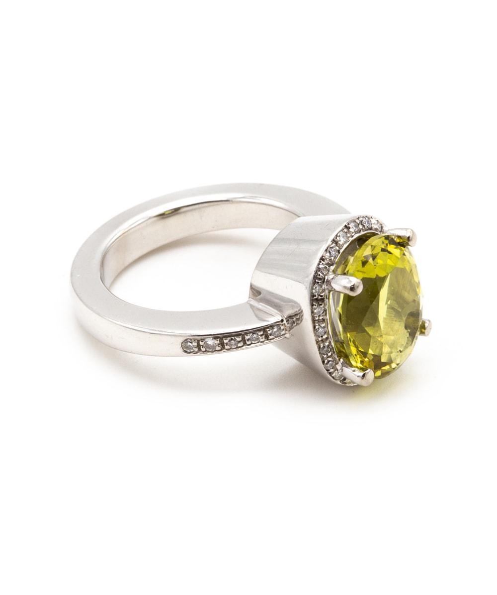 Ring mit Brillanten und Farbstein 750er Weißgold