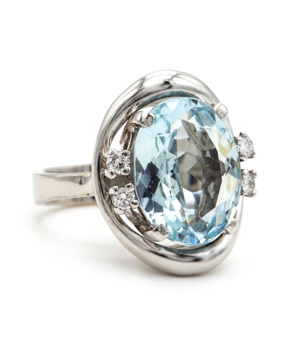 Ring mit Aquamarin und Brillanten 585er Weißgold